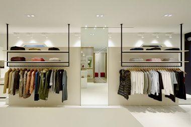 Cần bao nhiêu vốn để mở shop kinh doanh quần áo? – Ezoom.vn